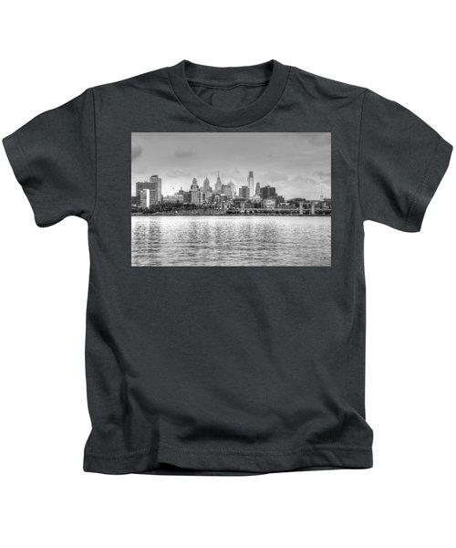 Philadelphia Skyline In Black And White Kids T-Shirt