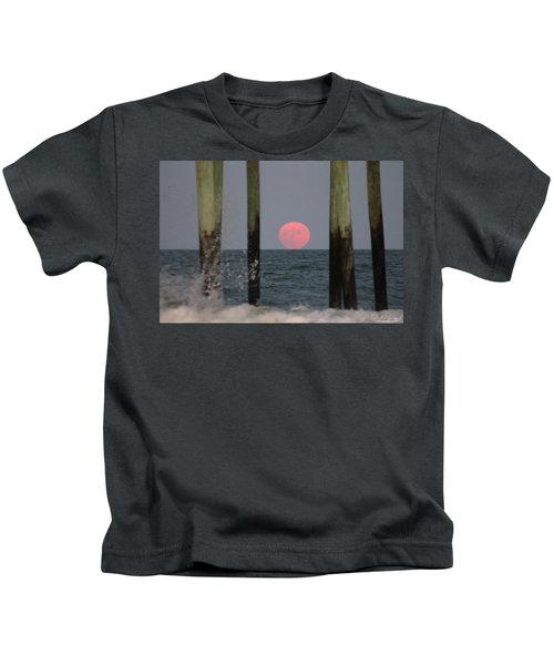 Pink Moon Rising Kids T-Shirt