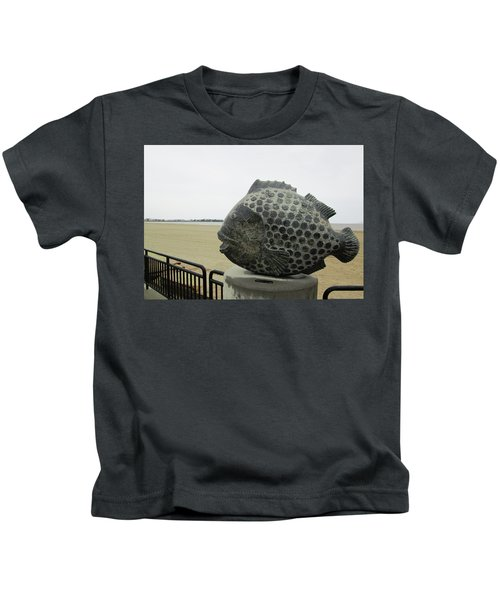 Polka Dotted Fish Sculpture Kids T-Shirt