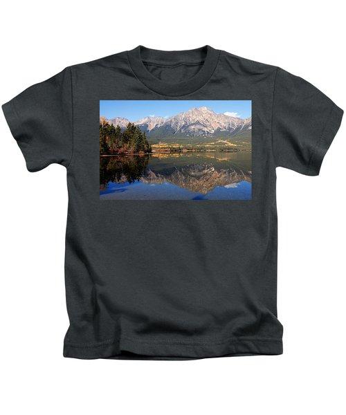 Pyramid Mountain And Pyramid Lake 2 Kids T-Shirt