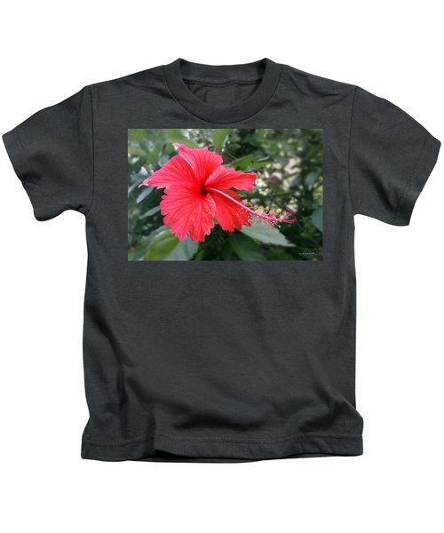 Red-tailed Flower Portrait Kids T-Shirt