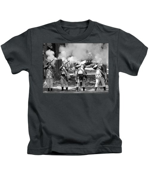 Reliving History-bw Kids T-Shirt