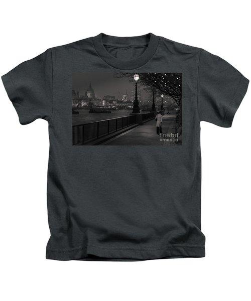 River Thames Embankment, London Kids T-Shirt