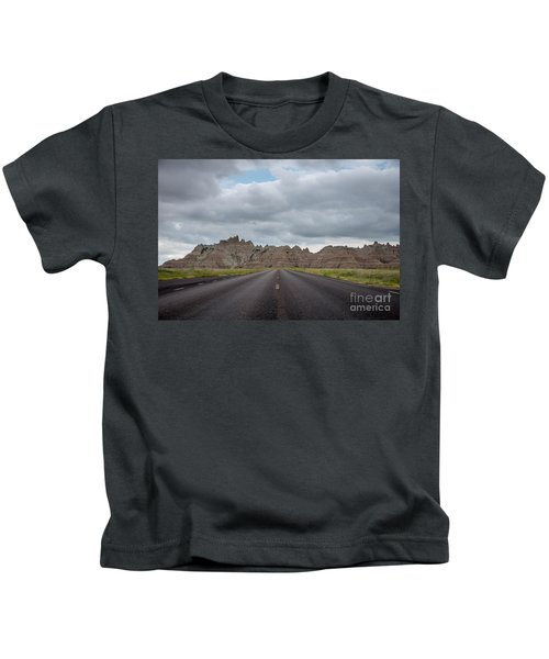 Road To The Badlands  Kids T-Shirt