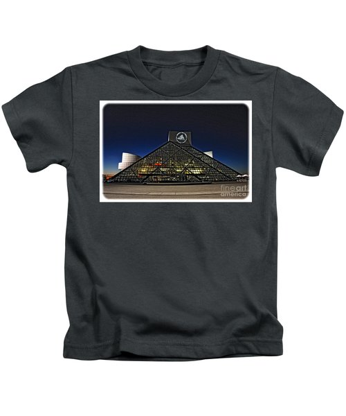 Rock And Roll Hall Of Fame - Cleveland Ohio - 5 Kids T-Shirt