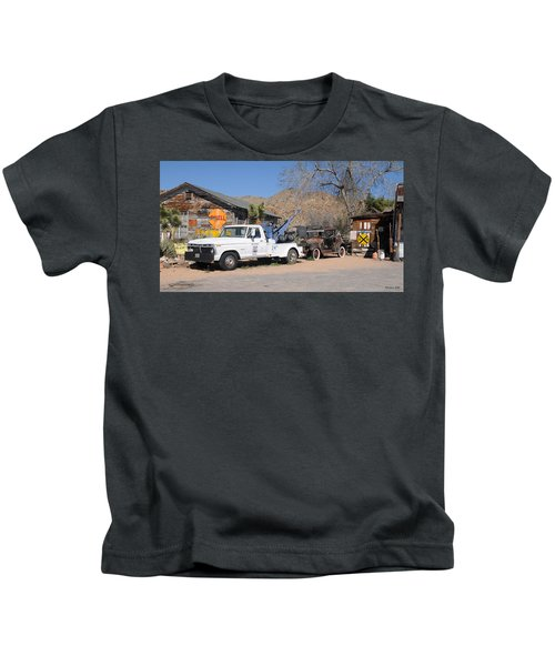 Route 66 Old Shell Service Station Kids T-Shirt