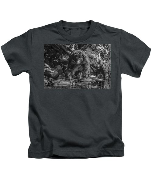 Salmon Seeker Black Bear  Kids T-Shirt