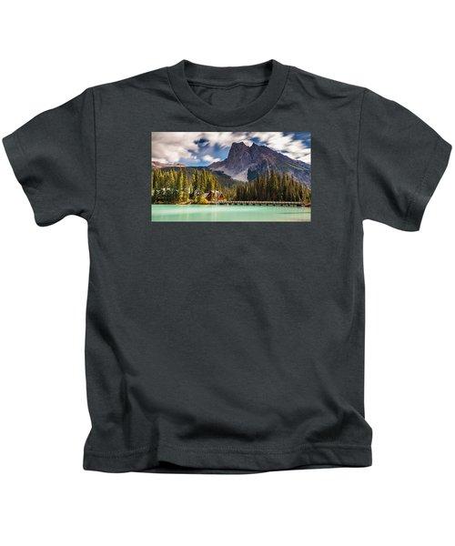 Scenic Emerald Lake  Kids T-Shirt