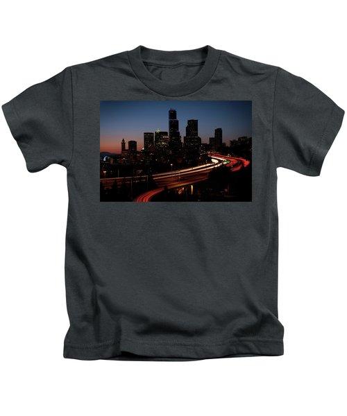 Seattle At Dusk Kids T-Shirt