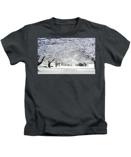 Shaker Winter Walkway Kids T-Shirt