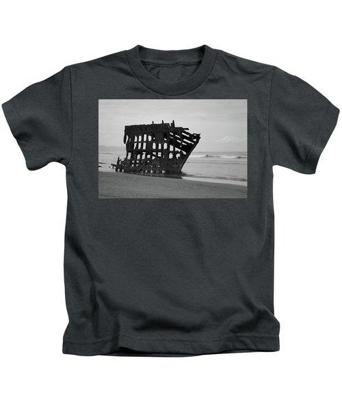 Shipwreck On The Shore Kids T-Shirt