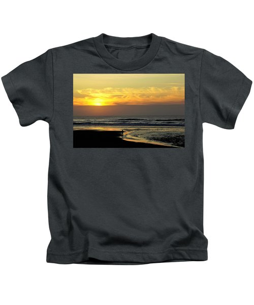 Solo Sunset On The Beach Kids T-Shirt