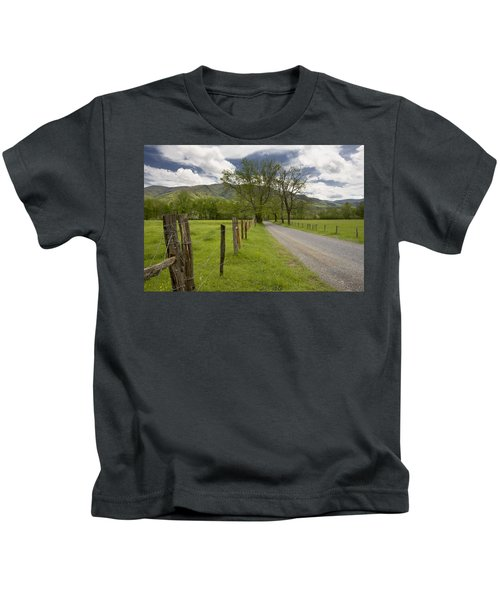 Sparks Lane In Cade Cove Kids T-Shirt
