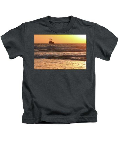 Squid Boat Golden Sunset Kids T-Shirt