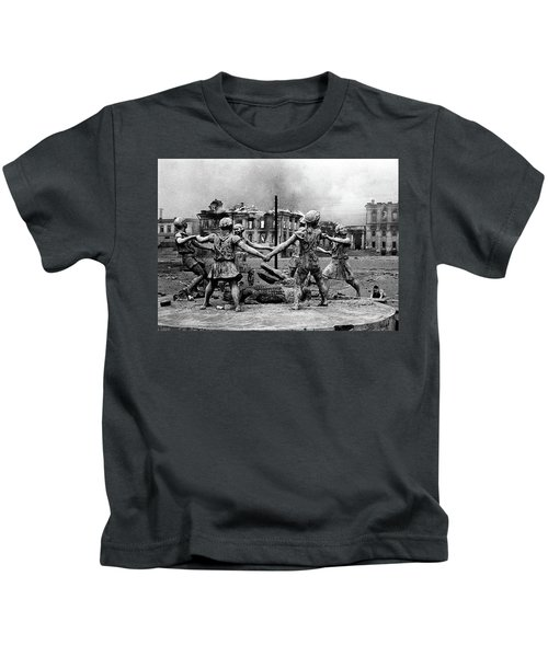 Statue Of Children After Nazi Airstrikes Center Of Stalingrad 1942 Kids T-Shirt