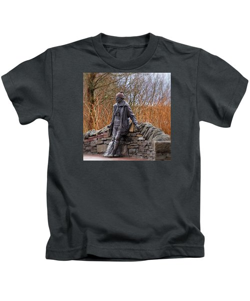 Statue Of Tom Weir Kids T-Shirt