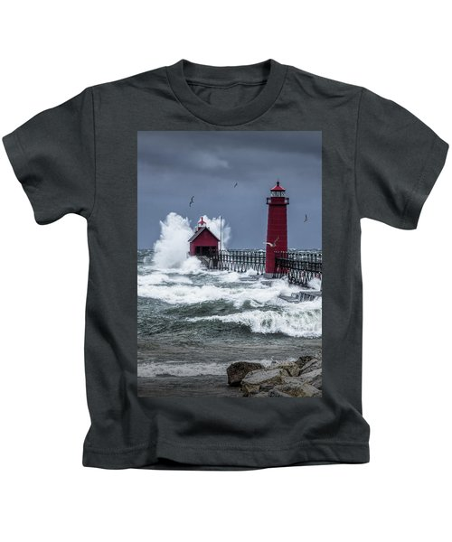 Storm On Lake Michigan By The Grand Haven Lighthouse With Flying Gulls Kids T-Shirt