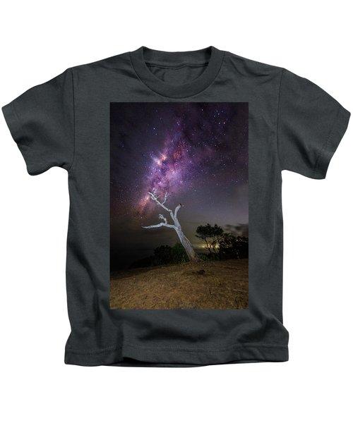 Striking Milkyway Over A Lone Tree Kids T-Shirt