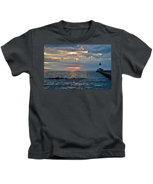 Sunrise In Duluth Kids T-Shirt