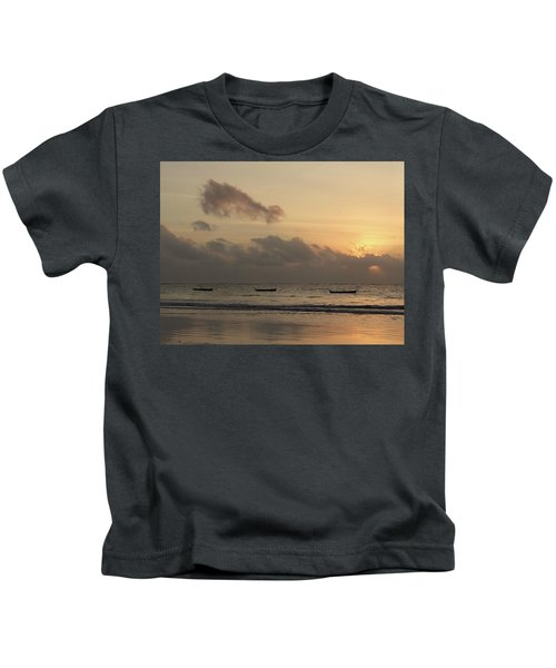 Sunrise On The Beach With Wooden Dhows Kids T-Shirt