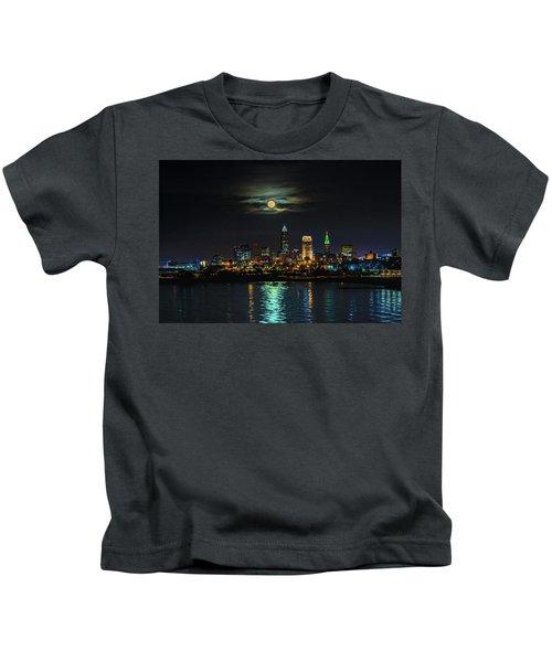 Super Full Moon Over Cleveland Kids T-Shirt