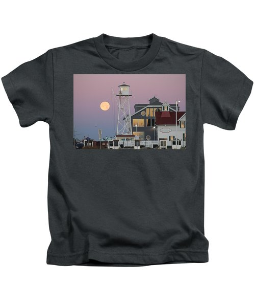 Super Wolf Moon At The Watch Tower Kids T-Shirt