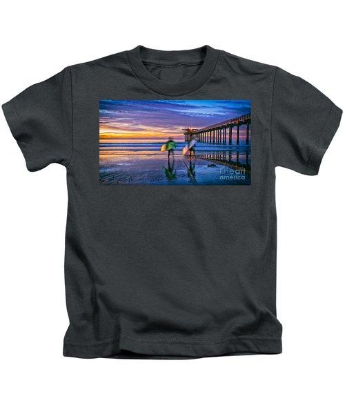 Surfers At Scripps Pier In La Jolla California Kids T-Shirt