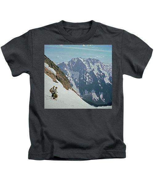 T04402 Beckey And Hieb After Forbidden Peak 1st Ascent Kids T-Shirt