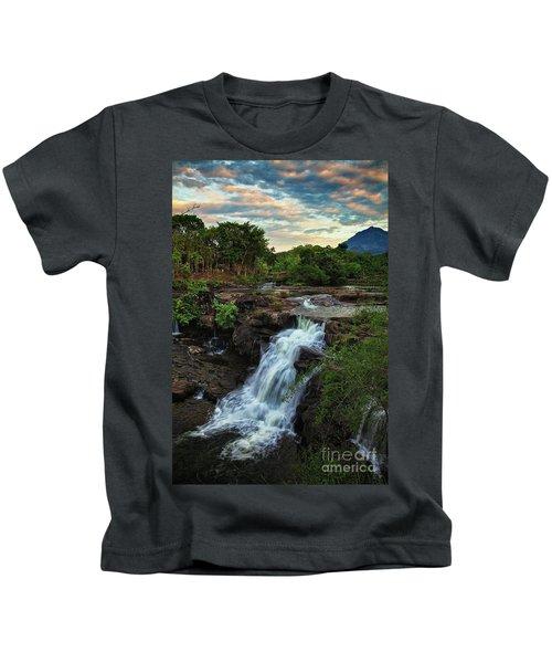 Tad Lo Waterfall, Bolaven Plateau, Champasak Province, Laos Kids T-Shirt