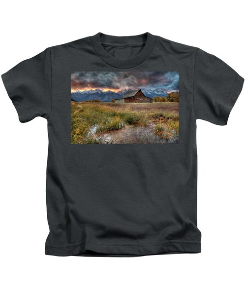 Teton Nightfire At The Ta Moulton Barn Kids T-Shirt