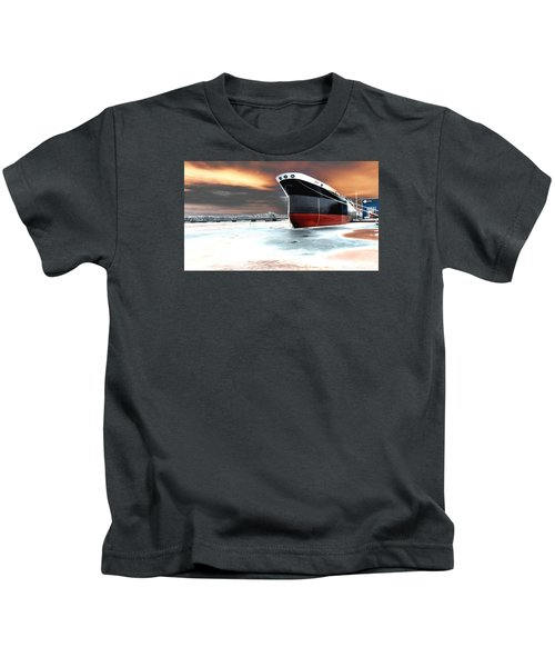 The Ship And The Steel Bridge. Kids T-Shirt