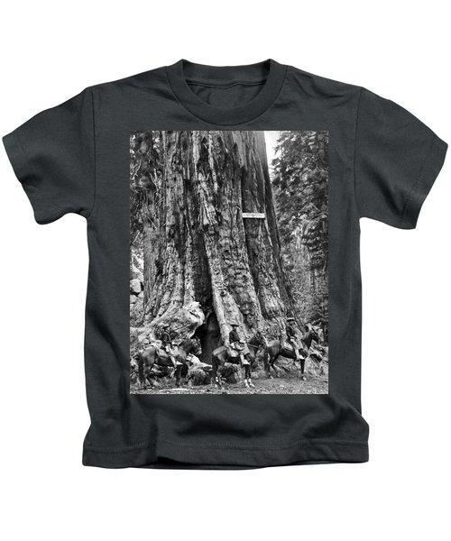 The General Grant Tree Kids T-Shirt