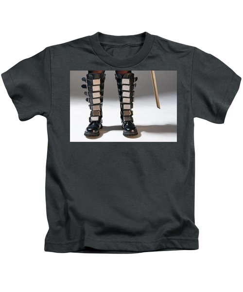 The Heroine Stands Kids T-Shirt