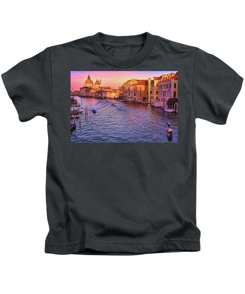 The Sun Is Setting In Venice Kids T-Shirt
