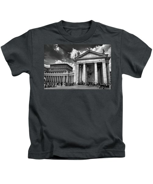 The Tuscan Colonnades In The Vatican Kids T-Shirt