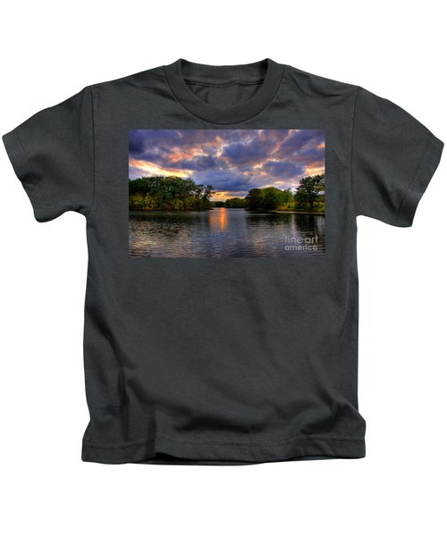 Thomas Lake Park In Eagan On A Glorious Summer Evening Kids T-Shirt