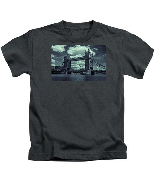 Tower Bridge Bw Kids T-Shirt