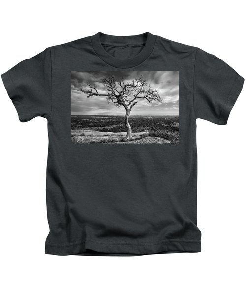 Tree On Enchanted Rock In Black And White Kids T-Shirt