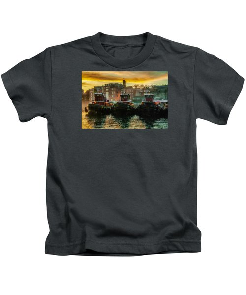 Tugboats In Portsmouth Harbor At Dawn Kids T-Shirt
