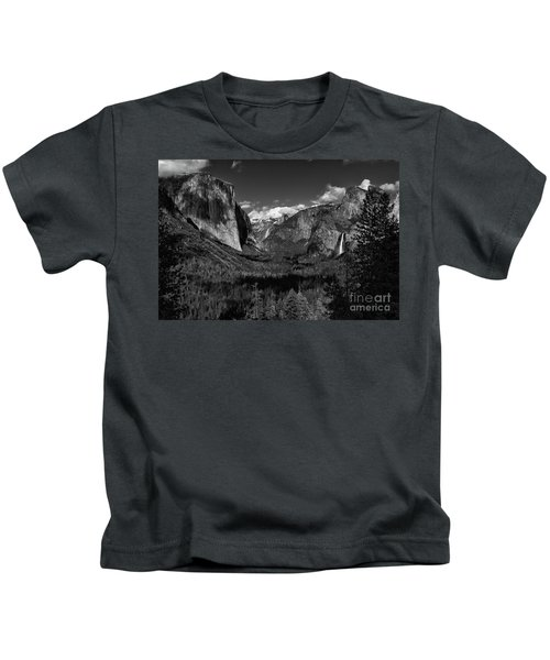 Tunnel View Black And White  Kids T-Shirt