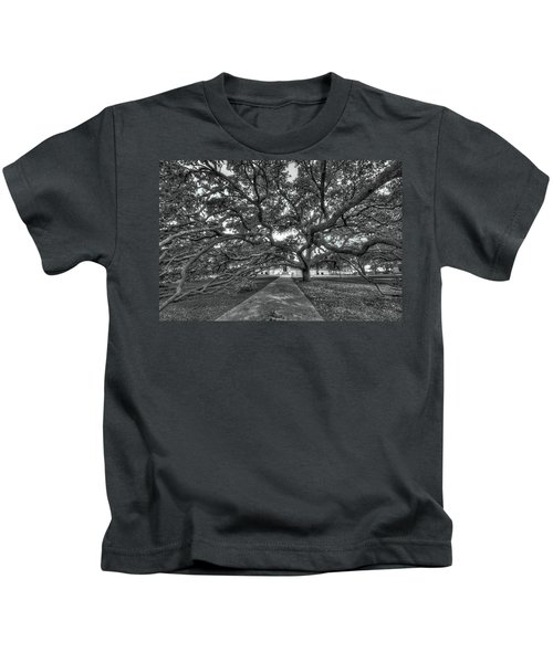 Under The Century Tree - Black And White Kids T-Shirt