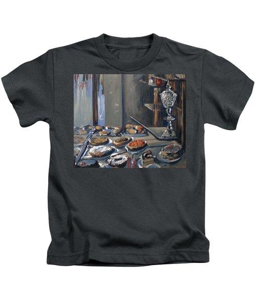 Une Coupe A Gingembre En Cristal De La Patisserie Royale A Maastricht Kids T-Shirt
