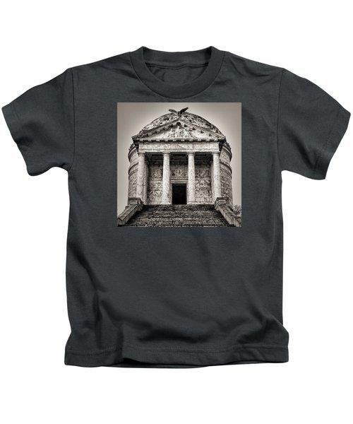Vicksburg - Illinois Memorial In Black And White Kids T-Shirt