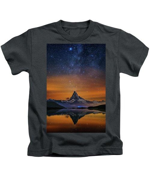 Volcano Fountain Kids T-Shirt