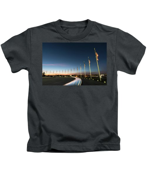 Washington Monument Flags Kids T-Shirt
