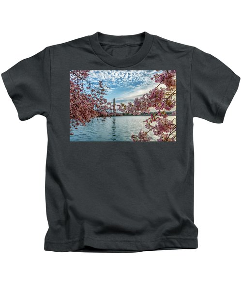 Washington Monument Through Cherry Blossoms Kids T-Shirt