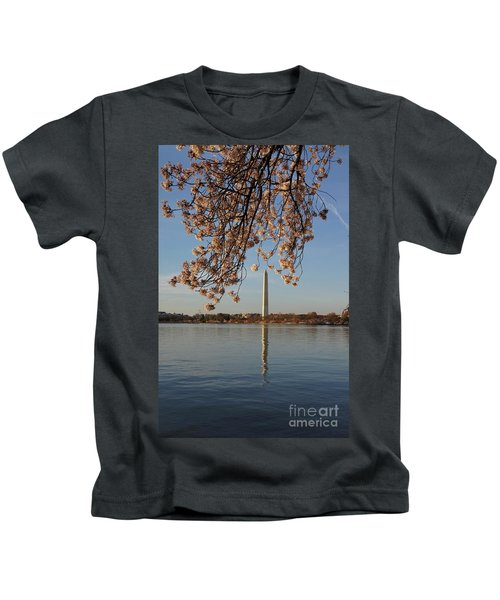 Washington Monument With Cherry Blossoms Kids T-Shirt