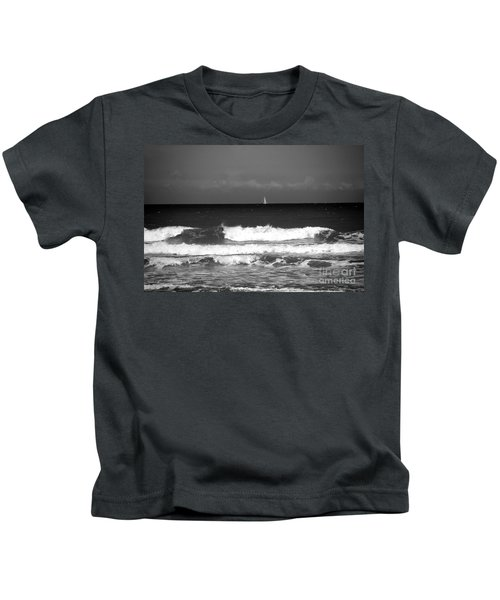 Waves 4 In Bw Kids T-Shirt
