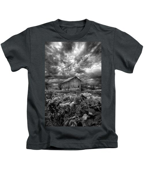 Where Ghosts Of Old Dwell And Hold Kids T-Shirt