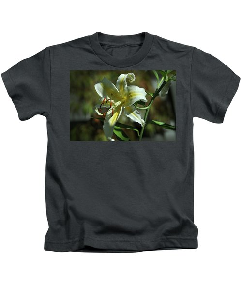 White And Yellow Asiatic Lilly No 1 Kids T-Shirt